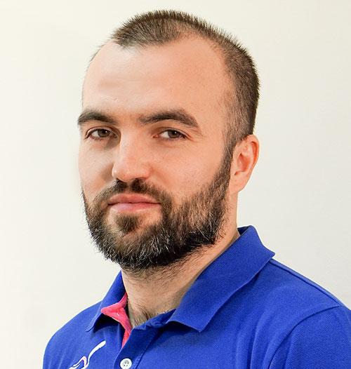 Решетов Дмитрий врач хирург имплантолог